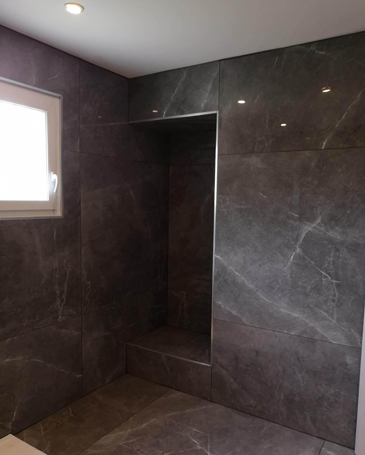 Salle de bain avec carrelage XL